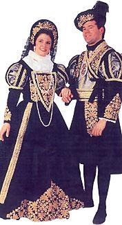 Deluxe Renaissance Couple Costumes